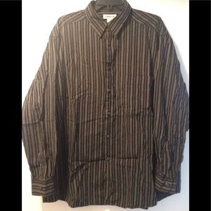 Claiborne long sleeve button down cotton shirt